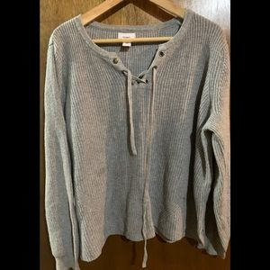 🍀3/$25 American eagle EUC sweater